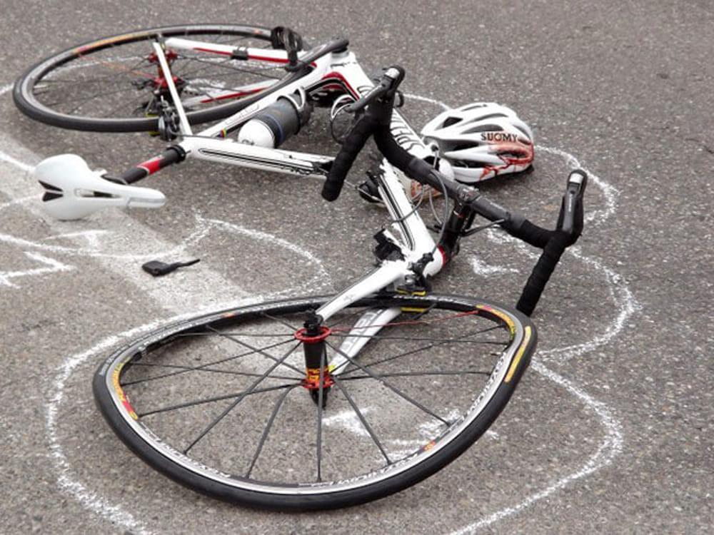 Donna ubriaca al volante. Investito ed ucciso un ciclista