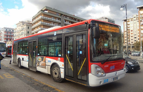 Bus stracolmi, numerosi disagi soprattutto per gli studenti che saltano ore di lezione
