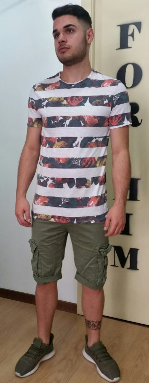 T-shirt euro 10,00 Bermuda  tasconi euro 16,00