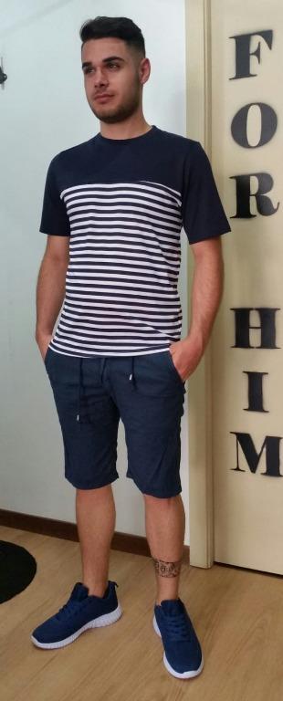 T-shirt euro 14,00 Bermuda  lino euro15,00 Scarpe euro17,00.