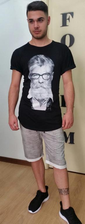 T-shirt euro 9,00 Bermuda  euro 13,00 Scarpe euro 18,00.