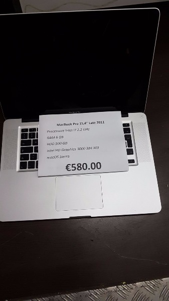 MacBook Pro 15,4 € 580