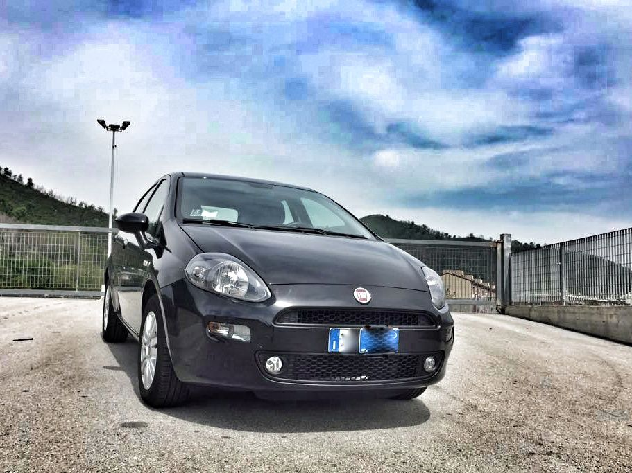 FIAT PUNTO versione SPORT anno 2015 Disponibile in versione Benzina e Diesel