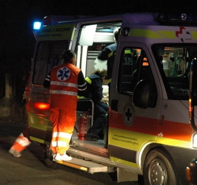 Incidente stradale sulla litoranea di Battipaglia. Madre e figlio in ospedale