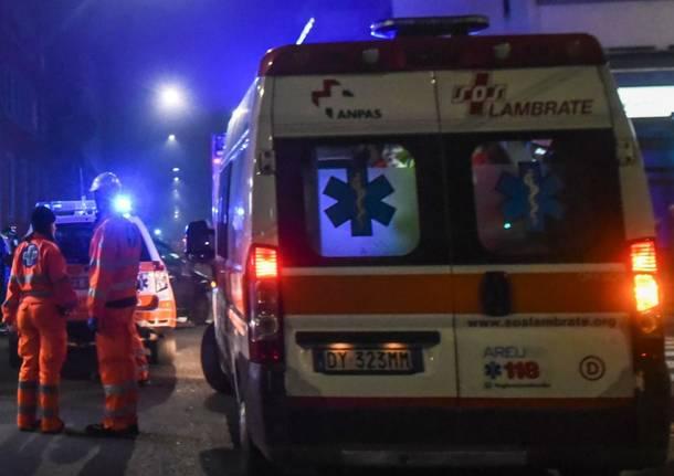 Auto contromano travolge uno scooter. Giovane finisce in ospedale