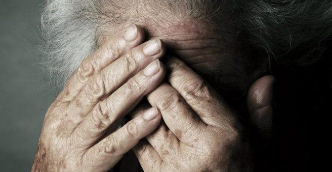 Maltrattava un'anziana. Arrestata una badante a Cava de'Tirreni