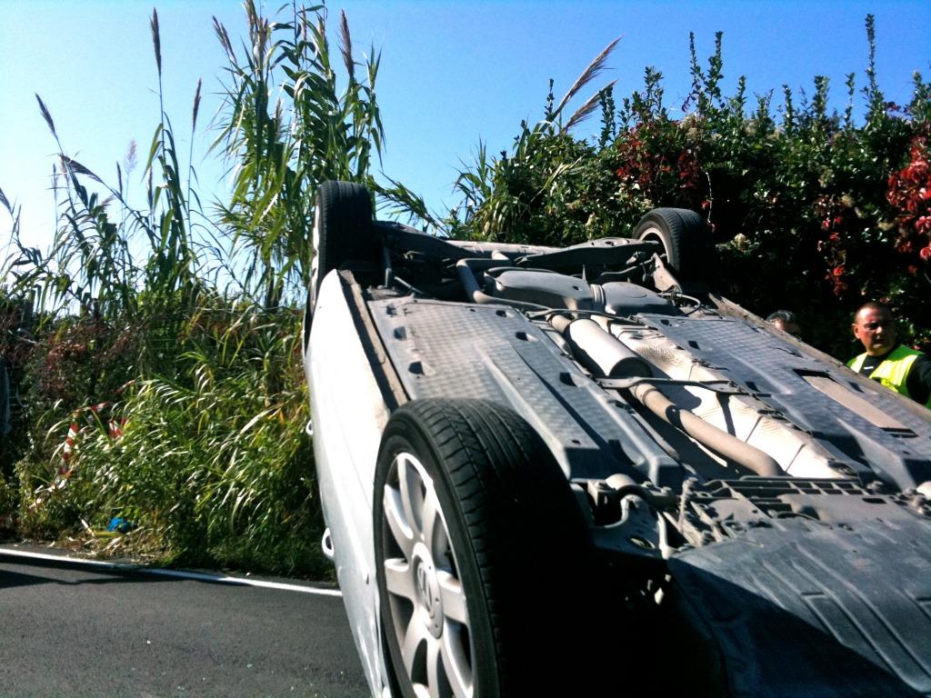 Auto si ribalta a Cetara. In tilt il traffico su tutta la costiera Amalfitana