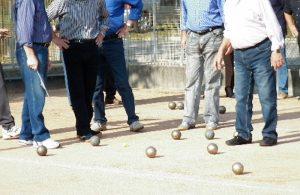 Scafati, anziani scoperti dai carabinieri mentre giocavano a bocce