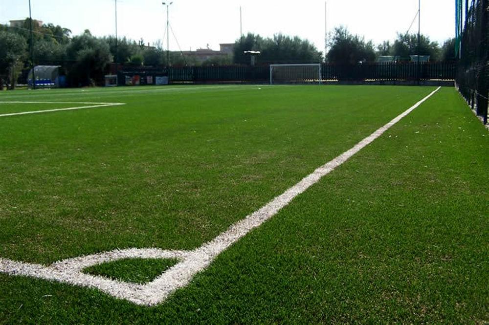49enne muore durante una partita di calcio
