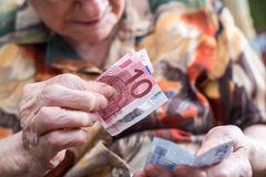 Mercato San Severino, cinque truffe telefoniche ad anziani. Avviate le indagini