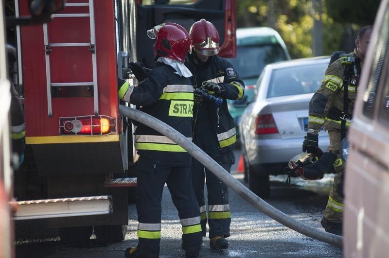 Incendio provocato da una bombola di gas: esplode una casa