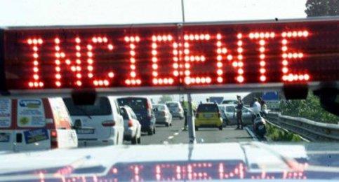 Incidente sul raccordo Salerno-Avellino: perde la vita un uomo