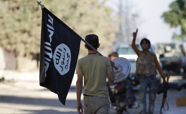 Processato magrebino che diffondeva foto dell'Isis su Facebook