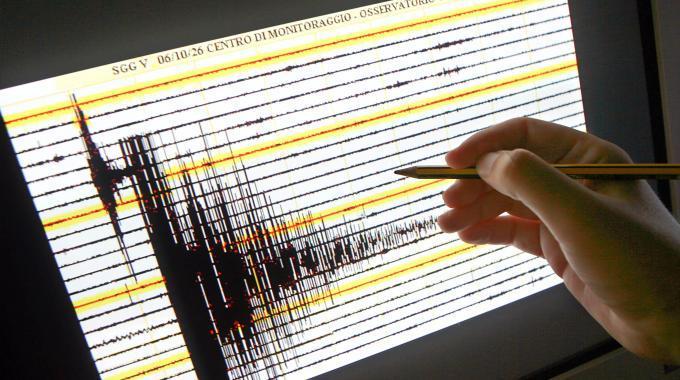 Scossa di terremoto di magnitudo 4.3 nel salernitano