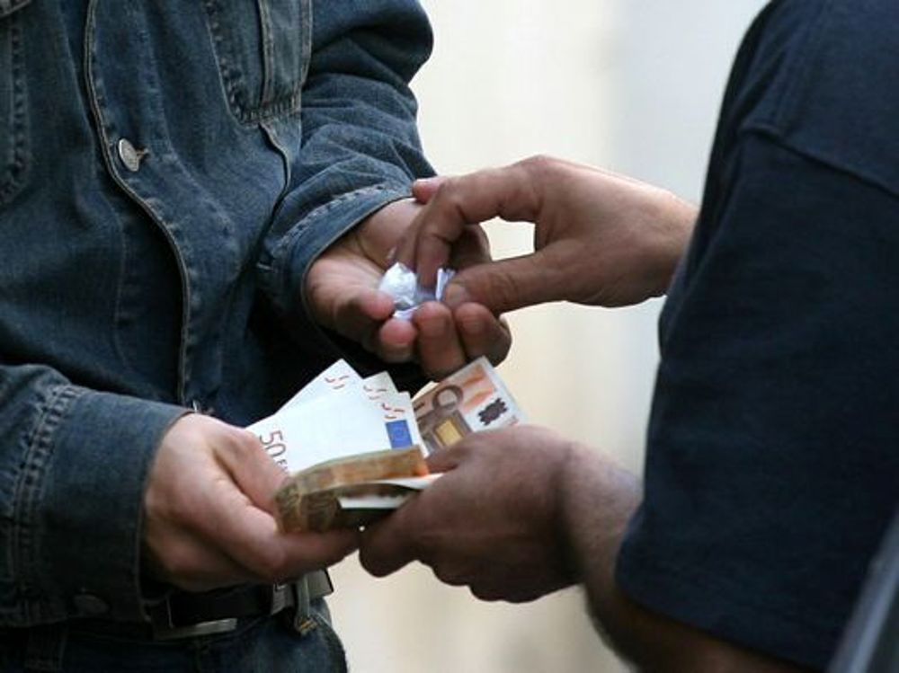 Spaccio di droga a Capaccio. Arrestato 29enne nella notte