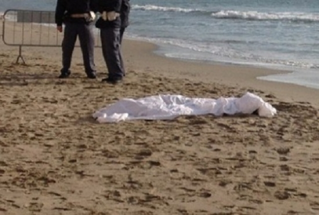 Identificato il cadavere della donna trovata morta sulla spiaggia a Capaccio