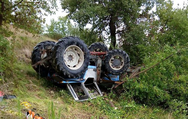 Tragedia a Roccadaspide. Uomo cade dal trattore e muore