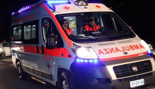Incidente tra auto sulla litoranea. Due feriti in gravi condizioni