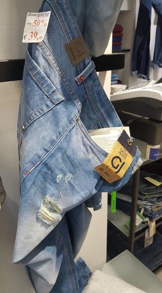 Jeans Gaudy € 39.90 Modello strappato