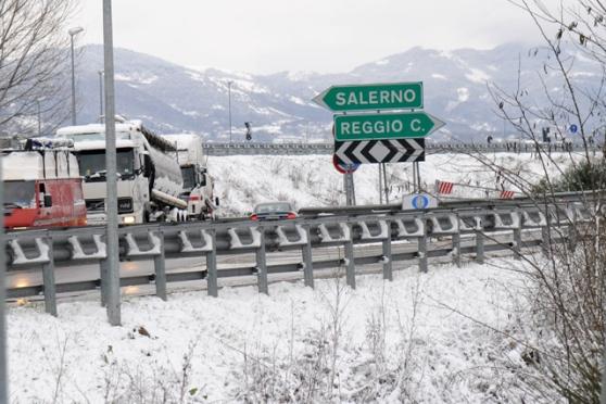 Ancora pioggia e neve in provincia di Salerno. Continuano i disagi, scuole chiuse