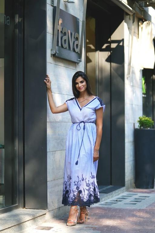 Scopri questo e tantissimi altri modelli di abiti da donna disponibili nel nostro store