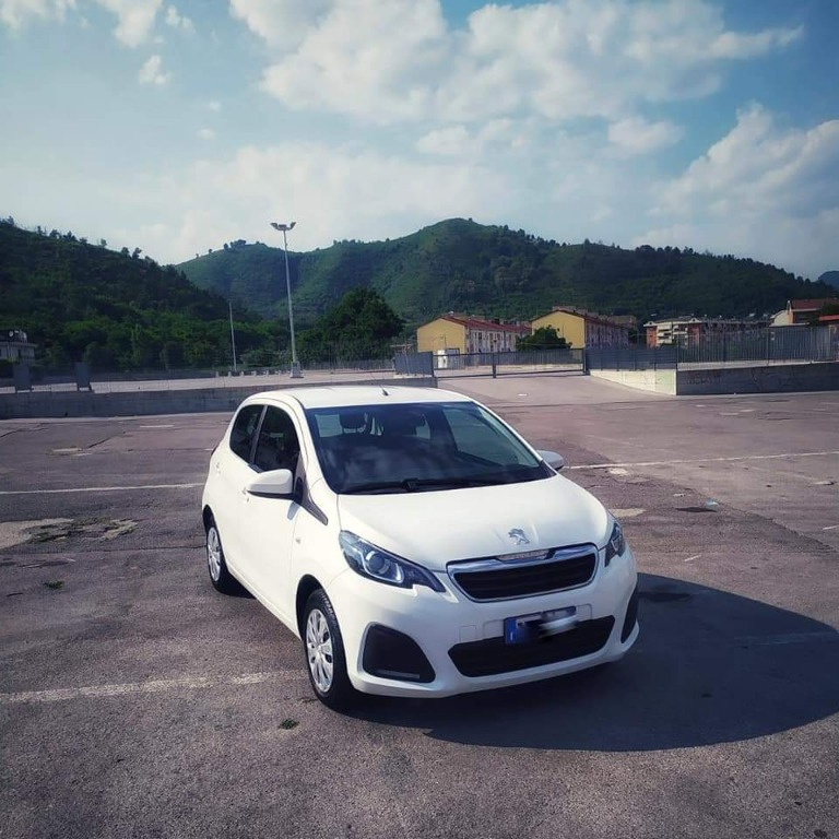 PEUGEOT 108 1.0 Benz Full Optional  Anno 04/2015 - km 28.000