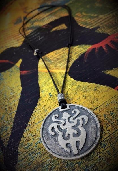 Collane con ciondoli stile etnico in argento brunito 925