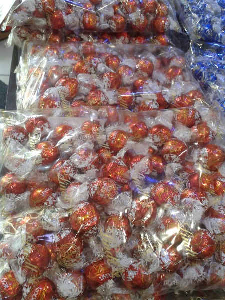 Offerta imperdibile! Cioccolatini Lindor busta da 1 kg a soli € 9.90! Approfittane
