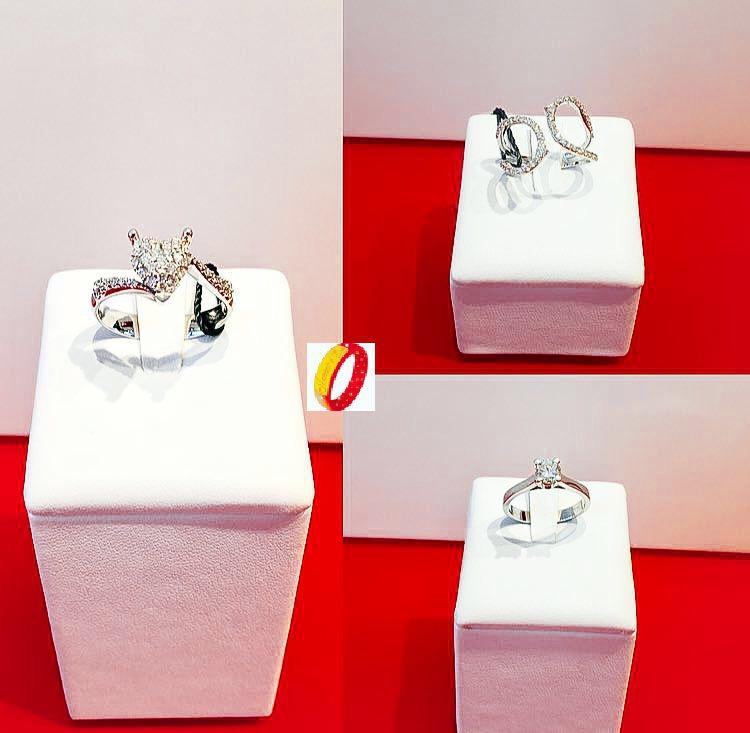 Anelli in oro bianco e diamanti certificati in diverse forme scontati del 30%