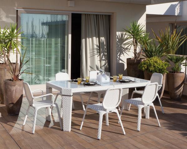 Arredamento giardino salerno e baronissi ste mar for Mobili per terrazzi e giardini