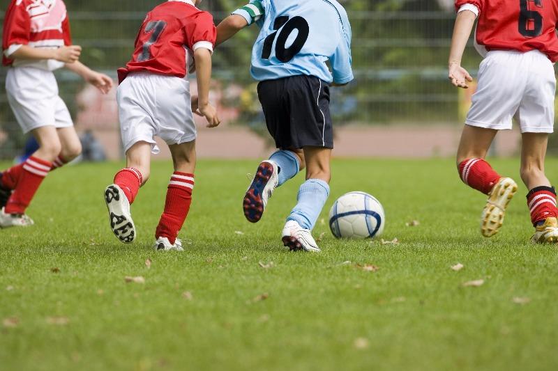 Bimbo di 6 anni colto da malore mentre giocava a calcio